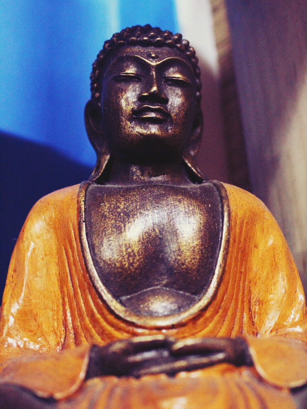 Photograph Contemplating Buddha by Evelyn Soto on 500px