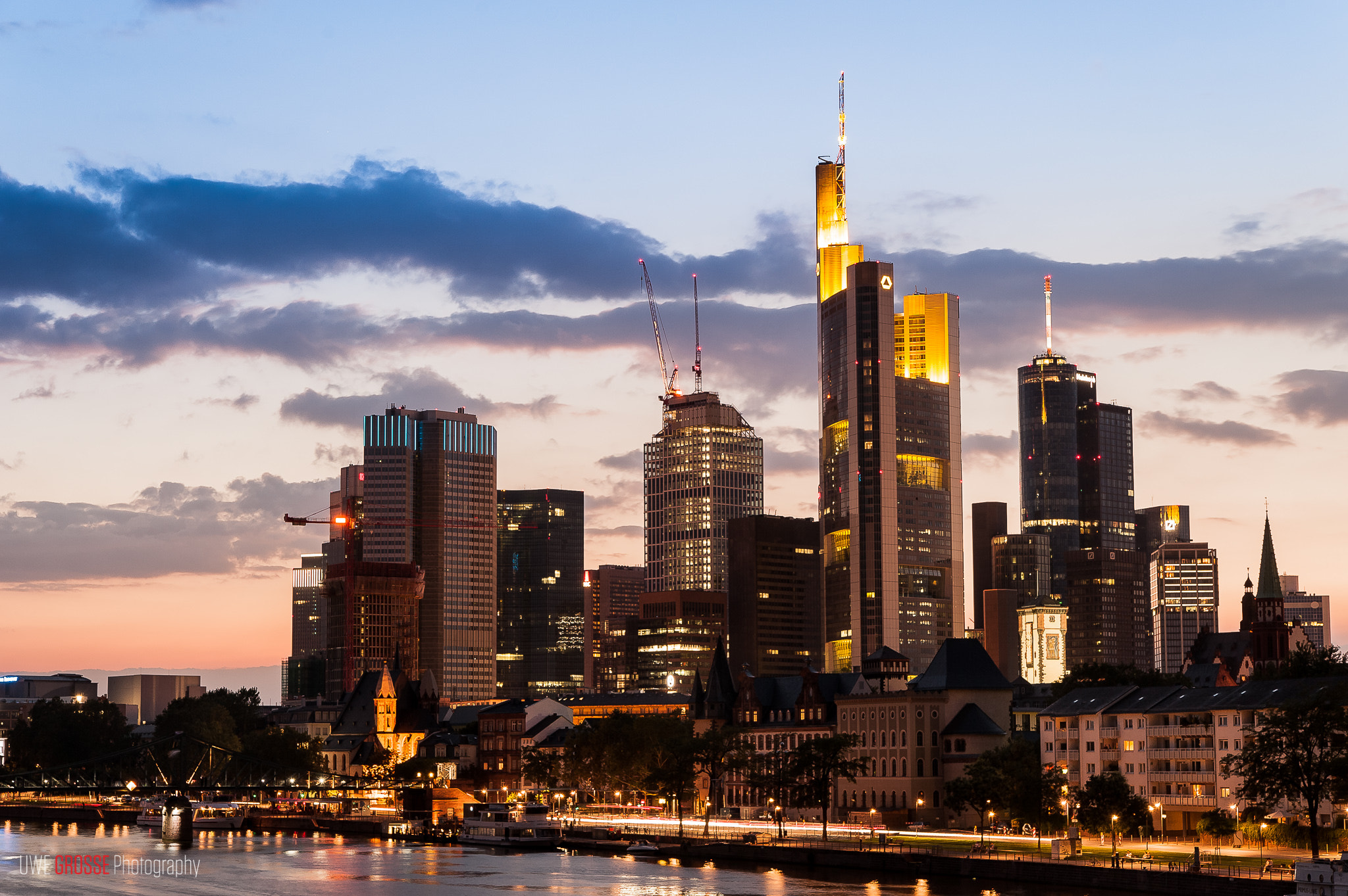 Photograph Mainhattan at night by teamnullvier on 500px