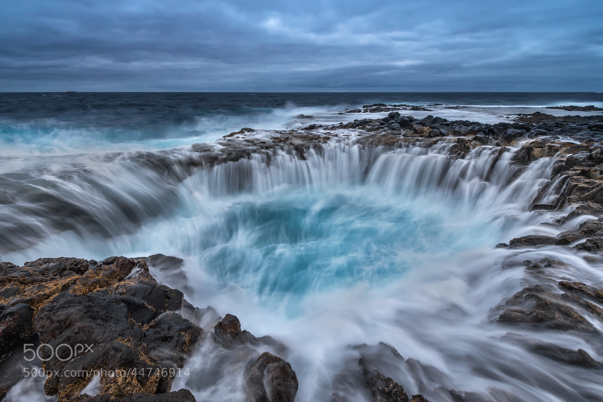 Photograph Blue Hole by Carlos Solinis Camalich on 500px