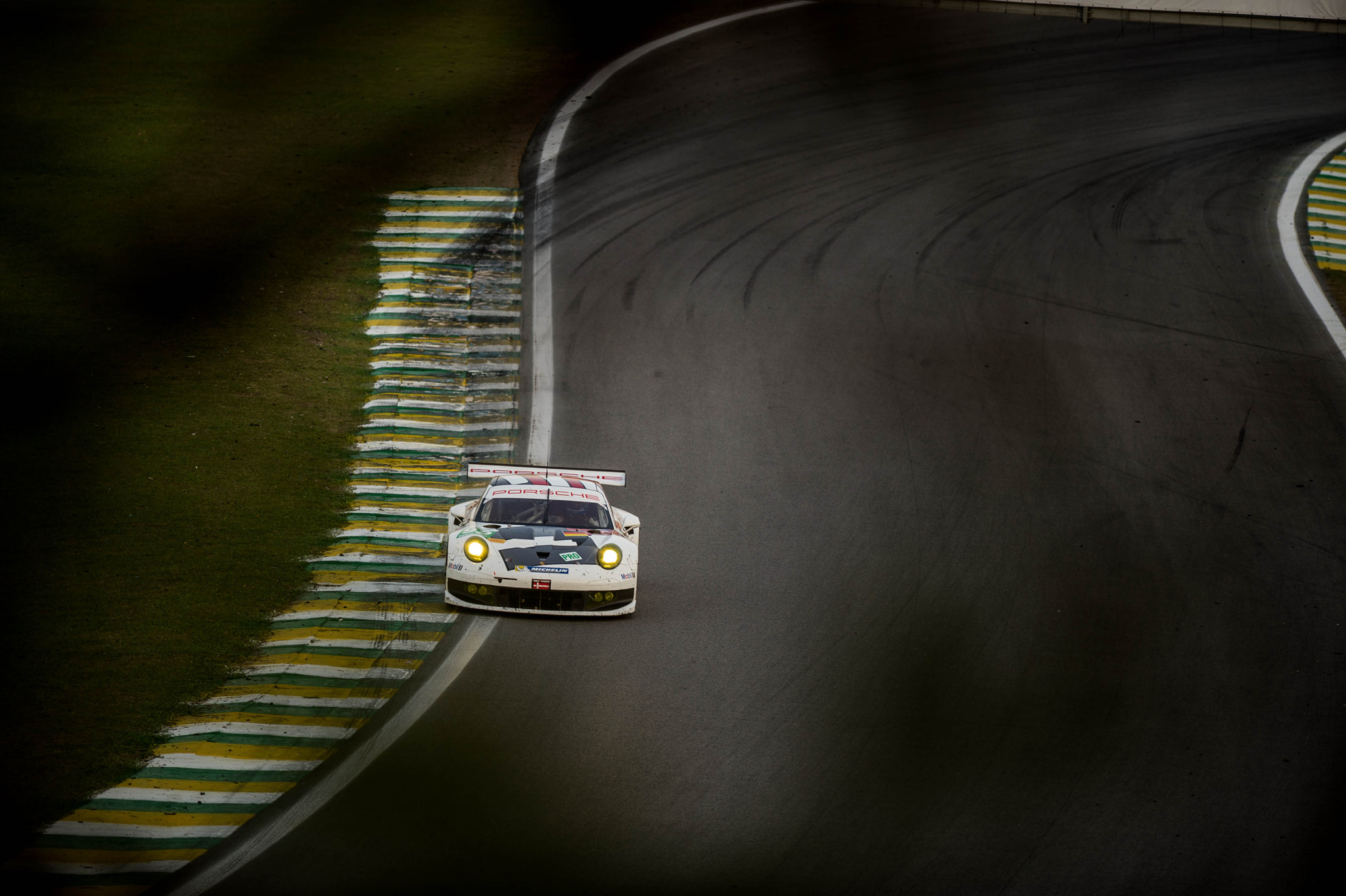 Photograph Le Mans 6h de SP - 911 RSR by Victor Eleutério on 500px