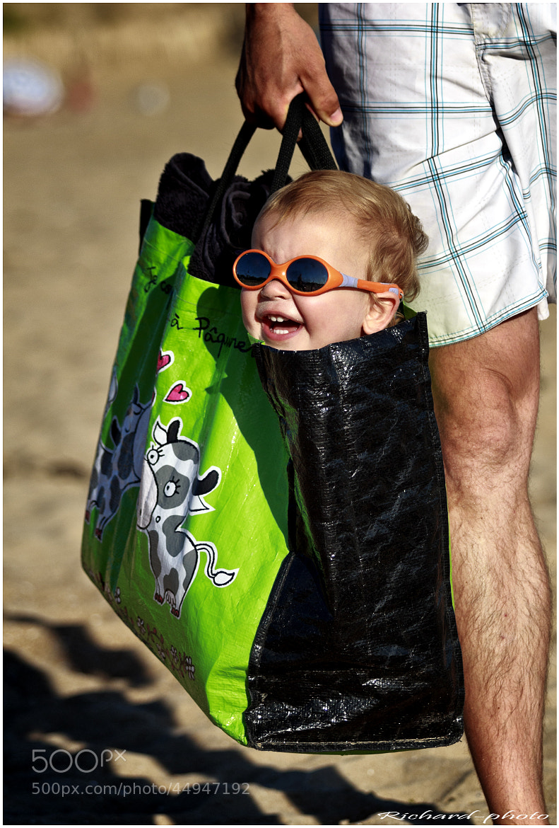 Photograph L'enfant dans le sac by Richard Echasseriau on 500px