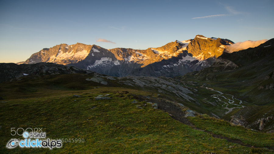 Photograph Alba nel silenzio (Valsavarenche, Valle d'Aosta, Parco Nazionale Gran Paradiso) by Francesco Sisti on 500px