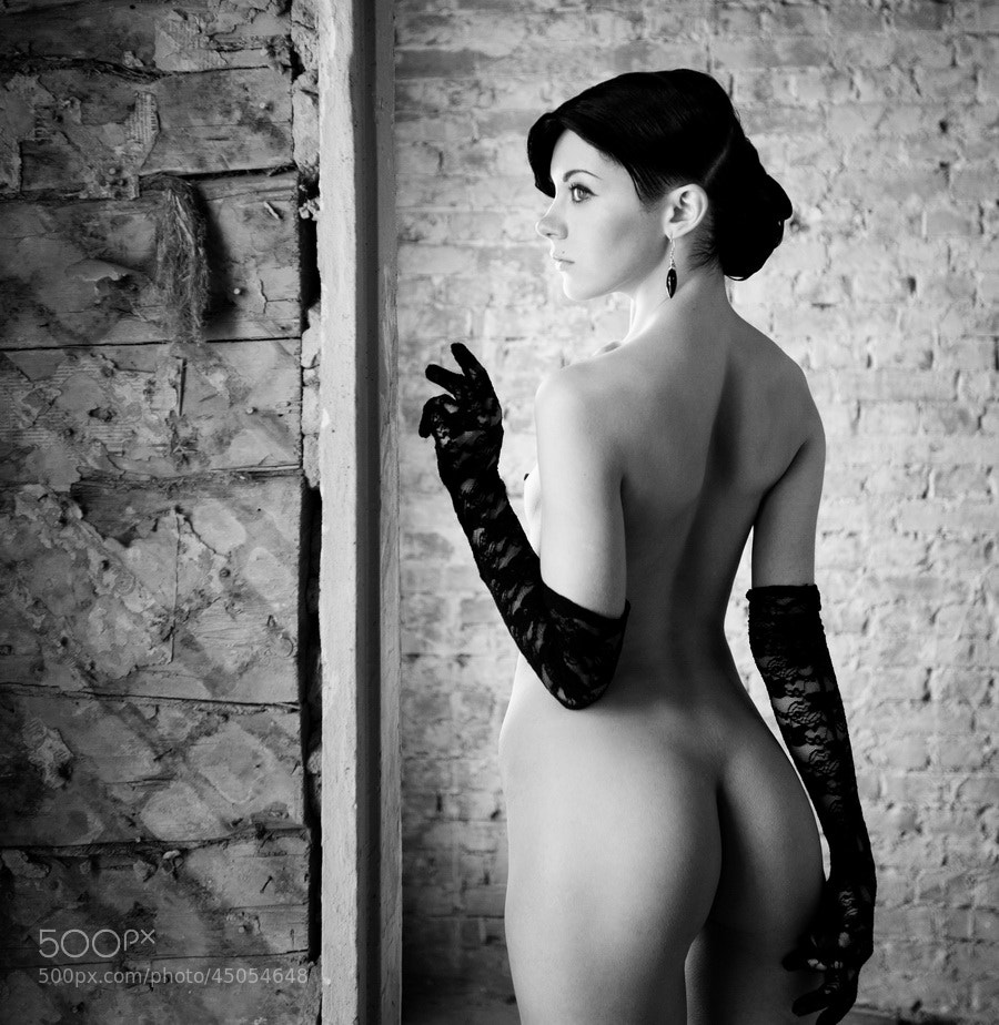 Photograph it is all in gloves by Oleg Bespalov on 500px