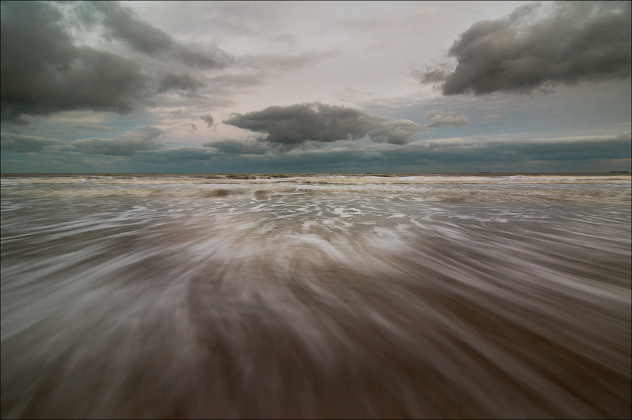 Photograph The sea that I so love to see by Pascale schotte on 500px