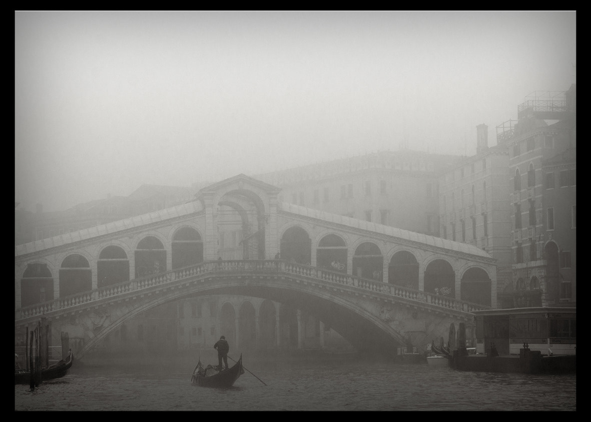Photograph Venecia fog #5 by Joan Prat on 500px