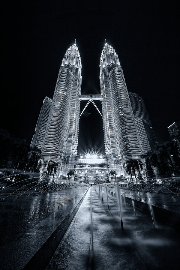 Photograph ...KL b/w... by Mark Hillen on 500px