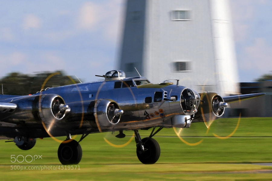 B-17G Yankee Lady taking off during the 2009 World War Two weekend, Reading, Pennsylvania.