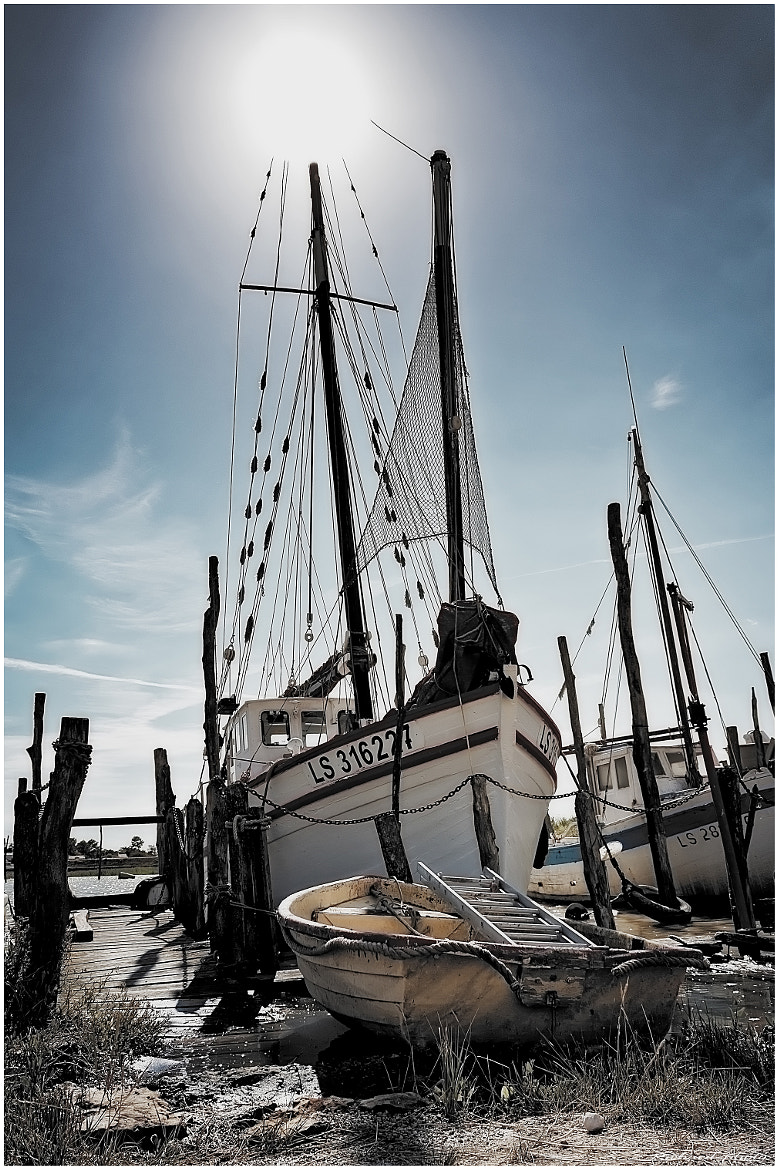 Photograph The boat and the sun by Richard Echasseriau on 500px