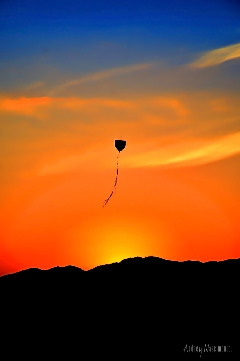 Photograph Kite Sunset (HDR) by Andrey Nascimento on 500px
