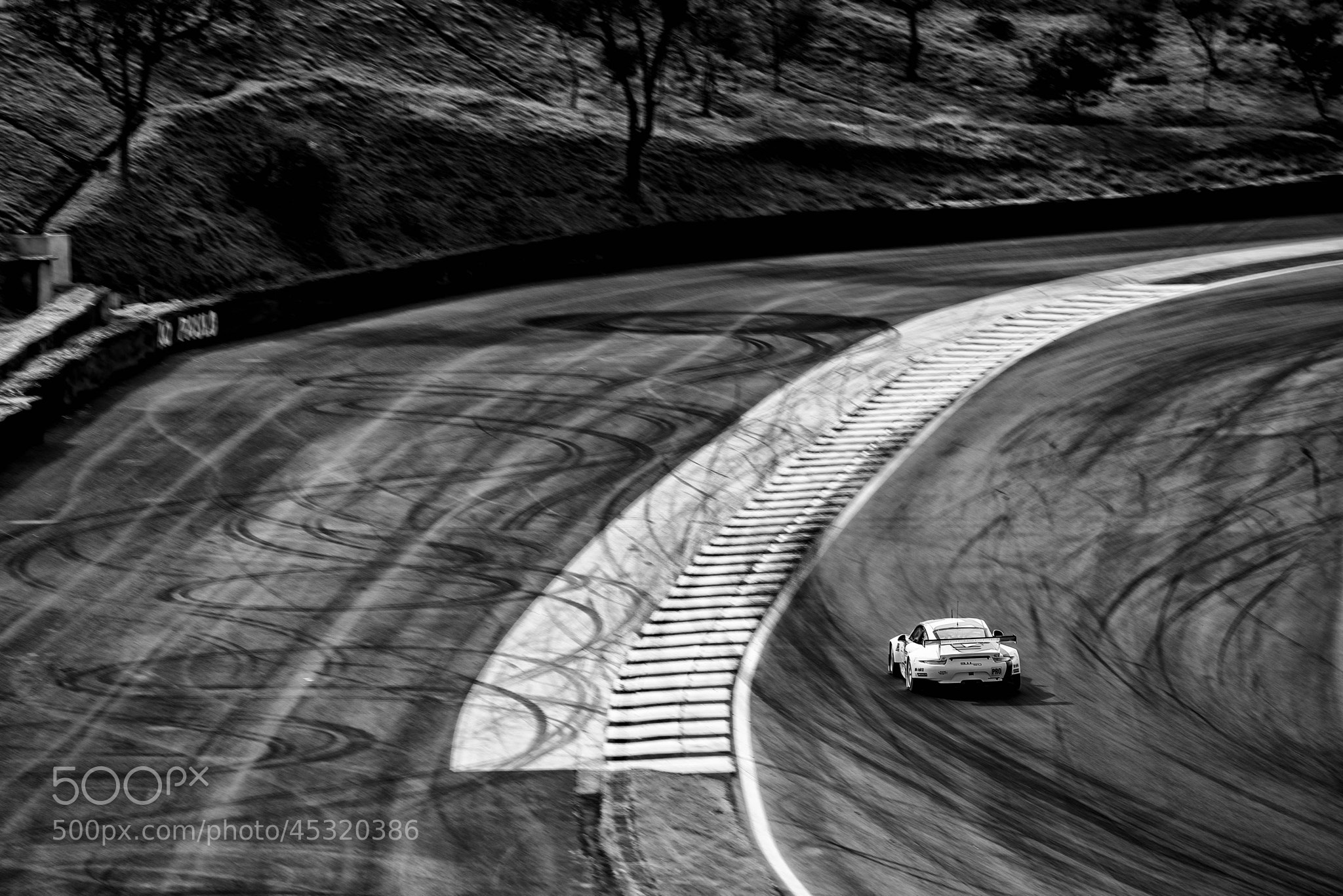 Photograph Porsche RSR - LeMans 6H of SP by Victor Eleutério on 500px