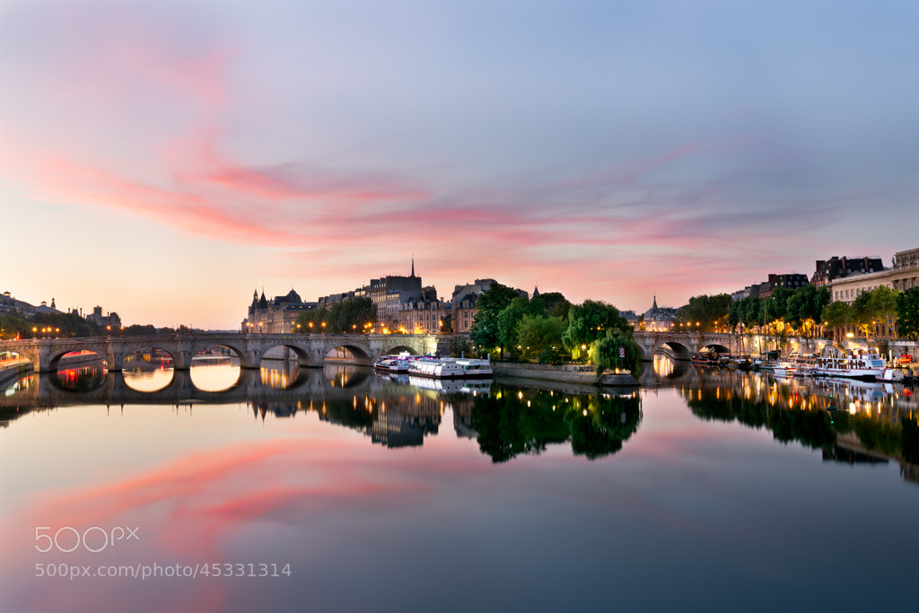 Photograph Sunrise on Ile de la Cité, Paris by Julien Fromentin on 500px