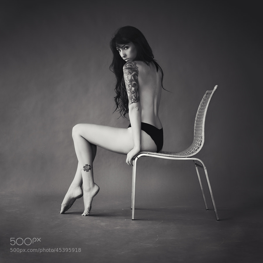 tatoo photo - Veronica Moshkowitz by Matan Eshel