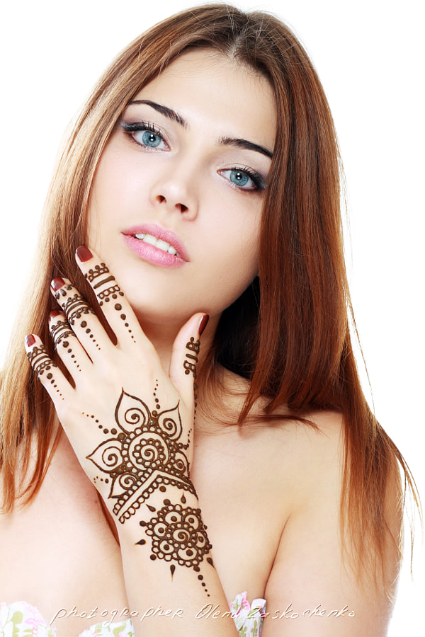 beautiful girl with mehandi by Olena Zaskochenko on 500px