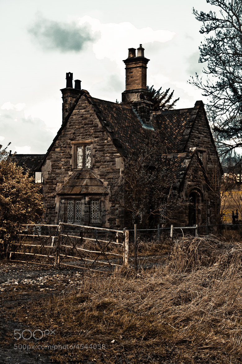 Photograph Gate House by Oliver Noakes on 500px