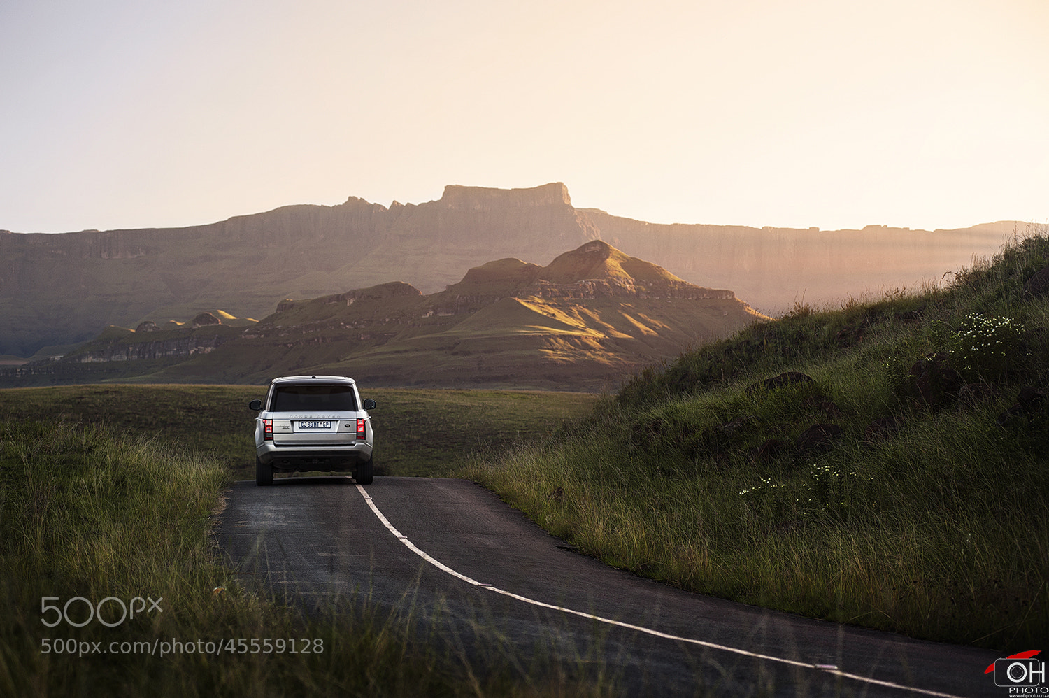 Photograph Range Rover In The Berg by Oliver H on 500px