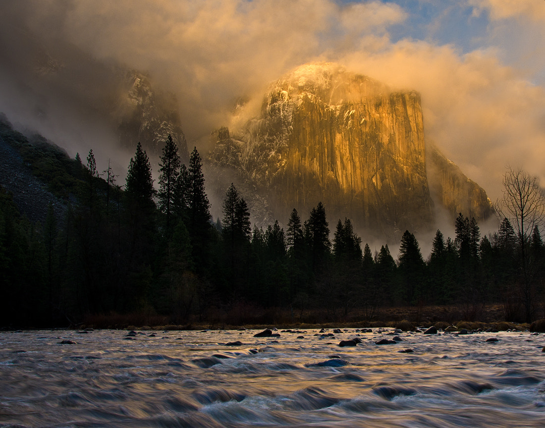 Photograph El Cap by Matthew Kuhns on 500px