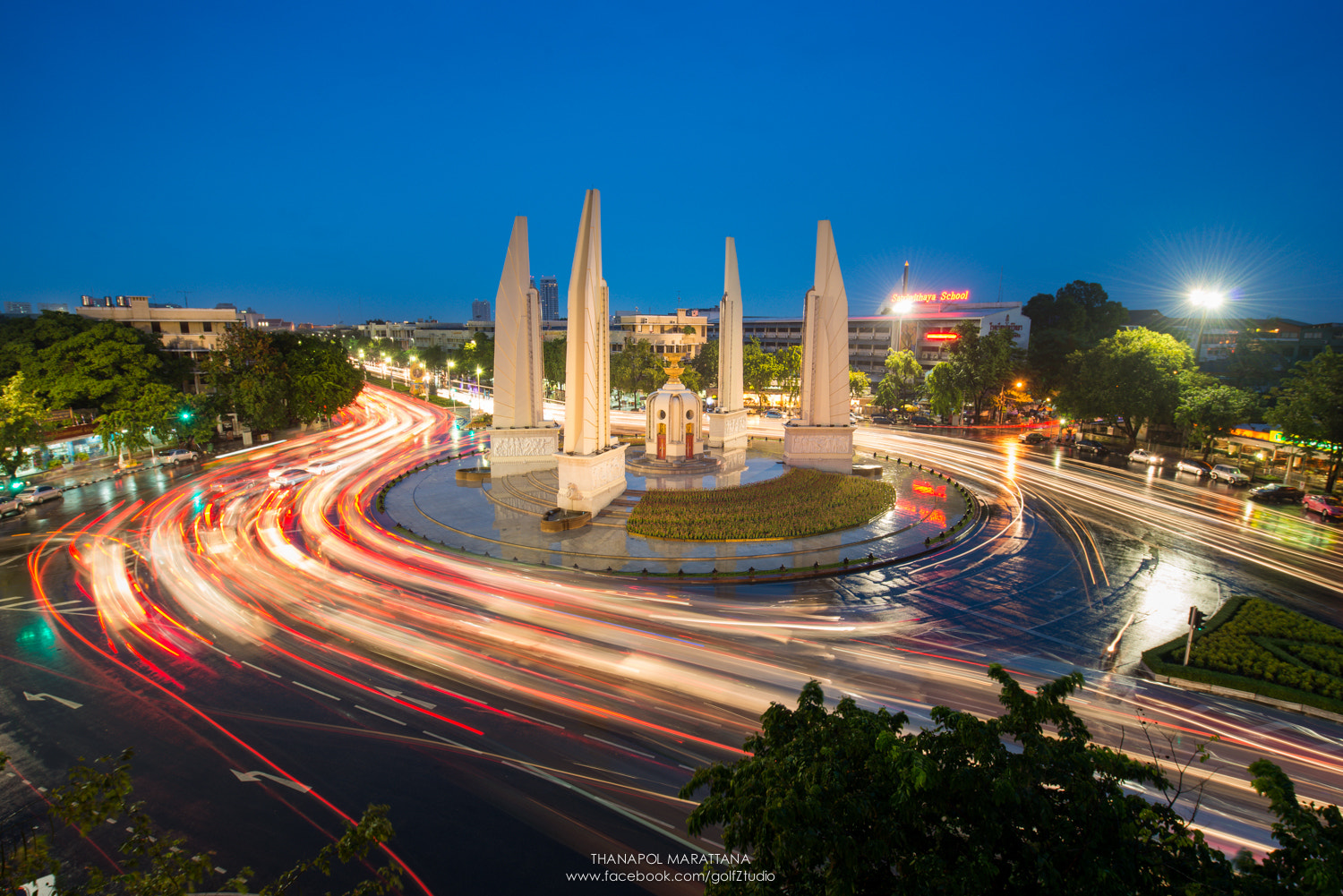 Photograph Democracy Monument by Thanapol Marattana on 500px