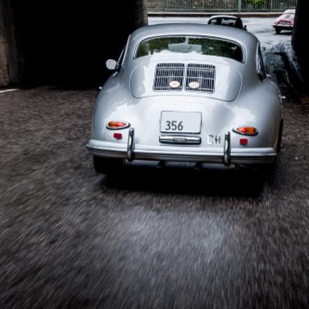 Porsche 356 Carrera on the rain