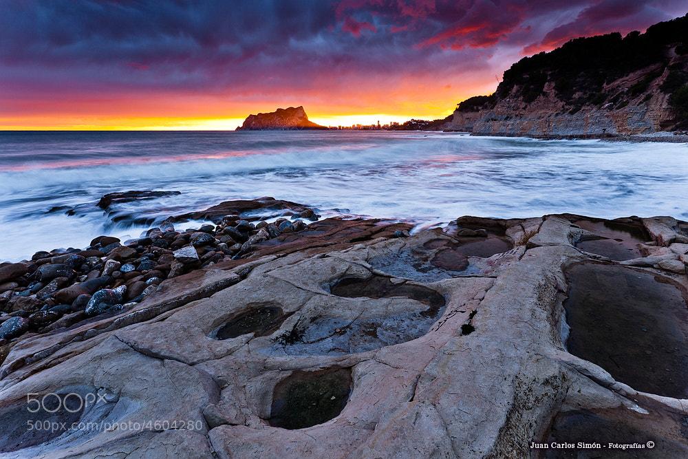 Photograph Último rayo de luz en el peñón (Last ray of daylight on the rock) by Juan Carlos Simón on 500px