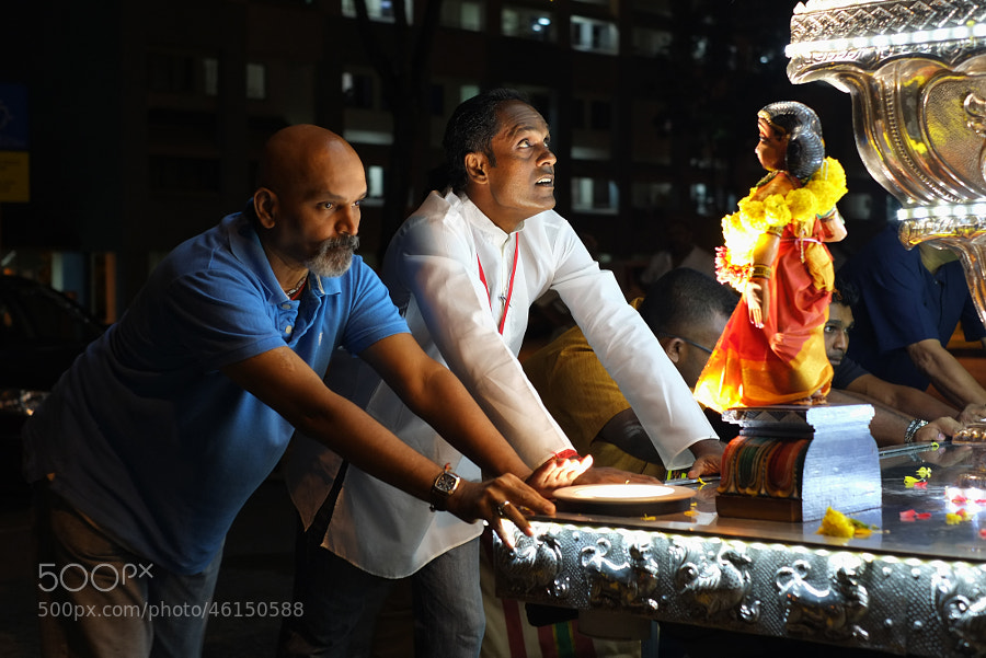 Sri Vadapathira Kaliamman Temple Silver Chariot Procession by Kinmun Lee on 500px.com