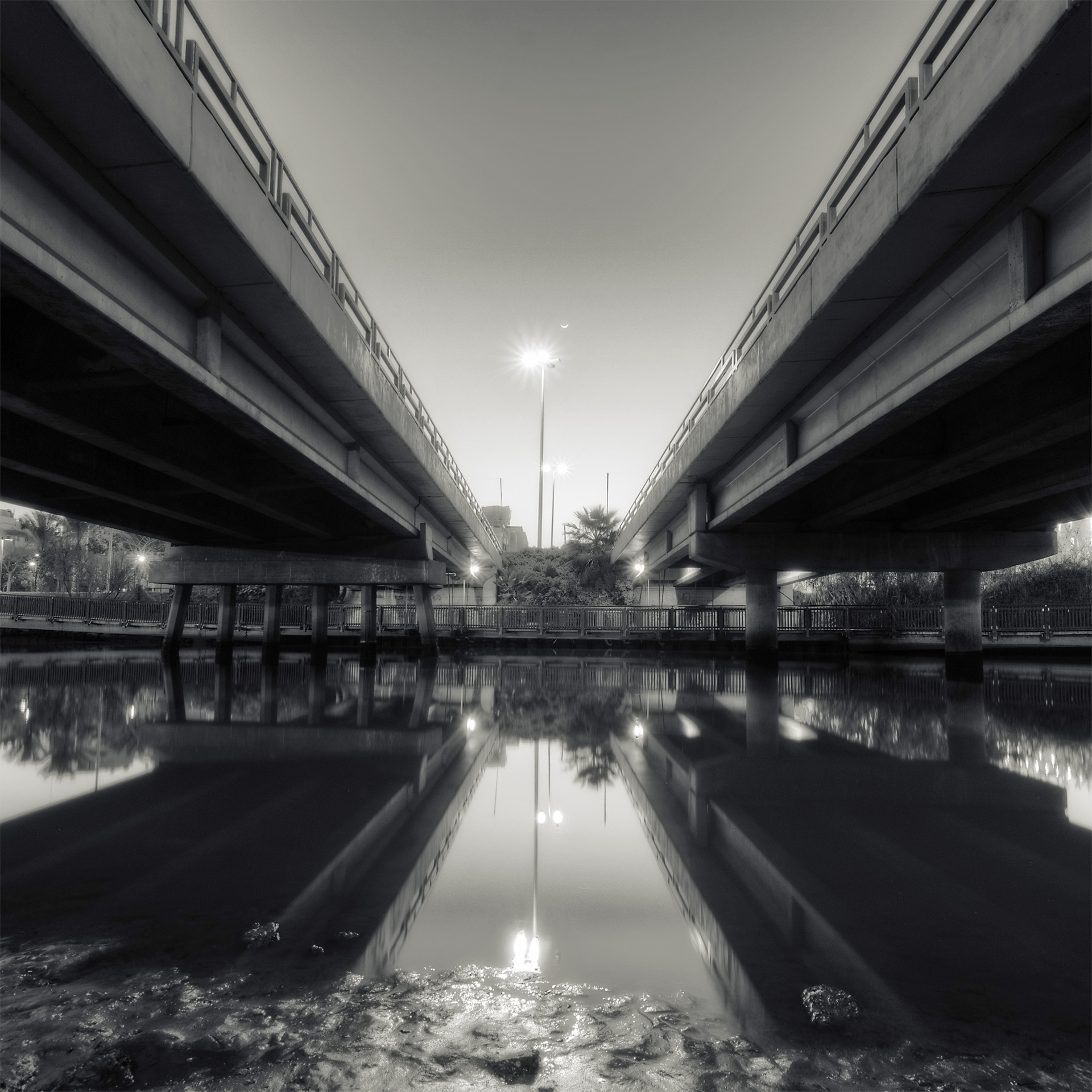 Photograph Under the Bridge by Simon Gelfand on 500px