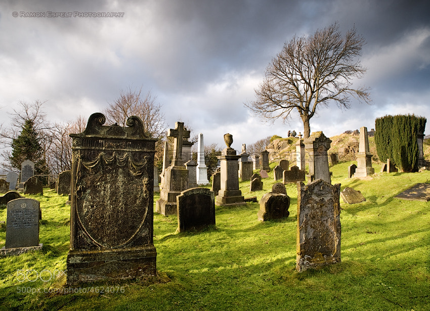 Photograph Stirling Cemetery by Ramón  Espelt on 500px