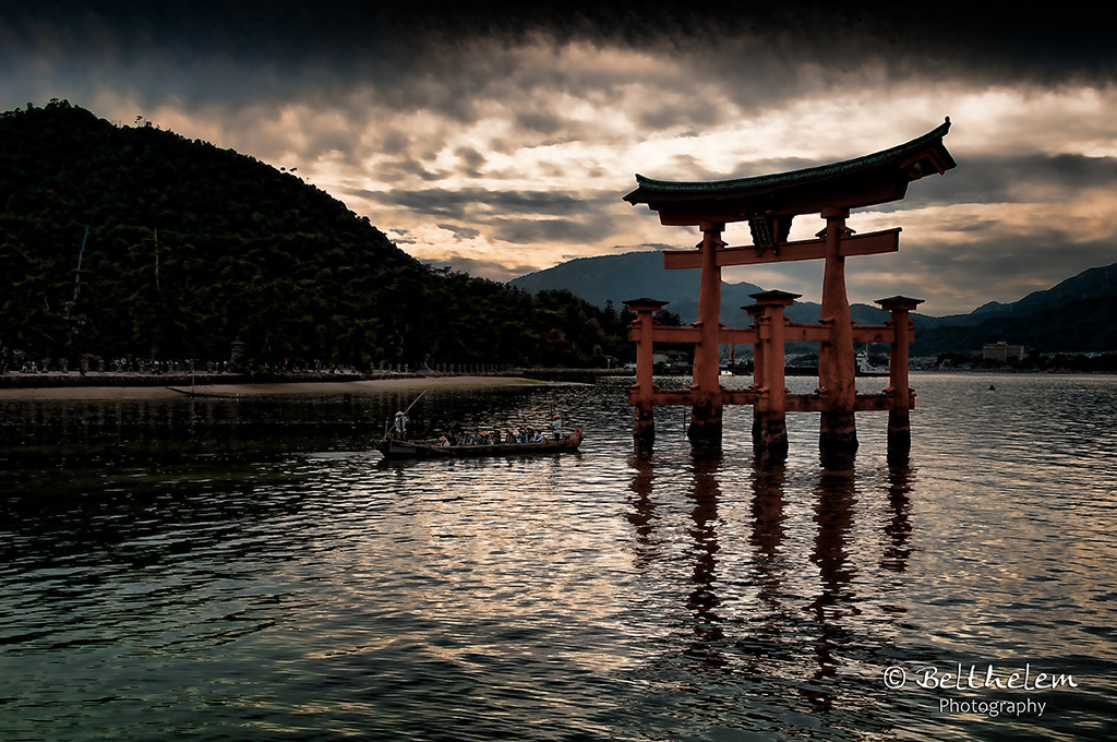 Photograph The floating red Torii of Miyajima - Hiroshima by Miguel - Kercher  on 500px