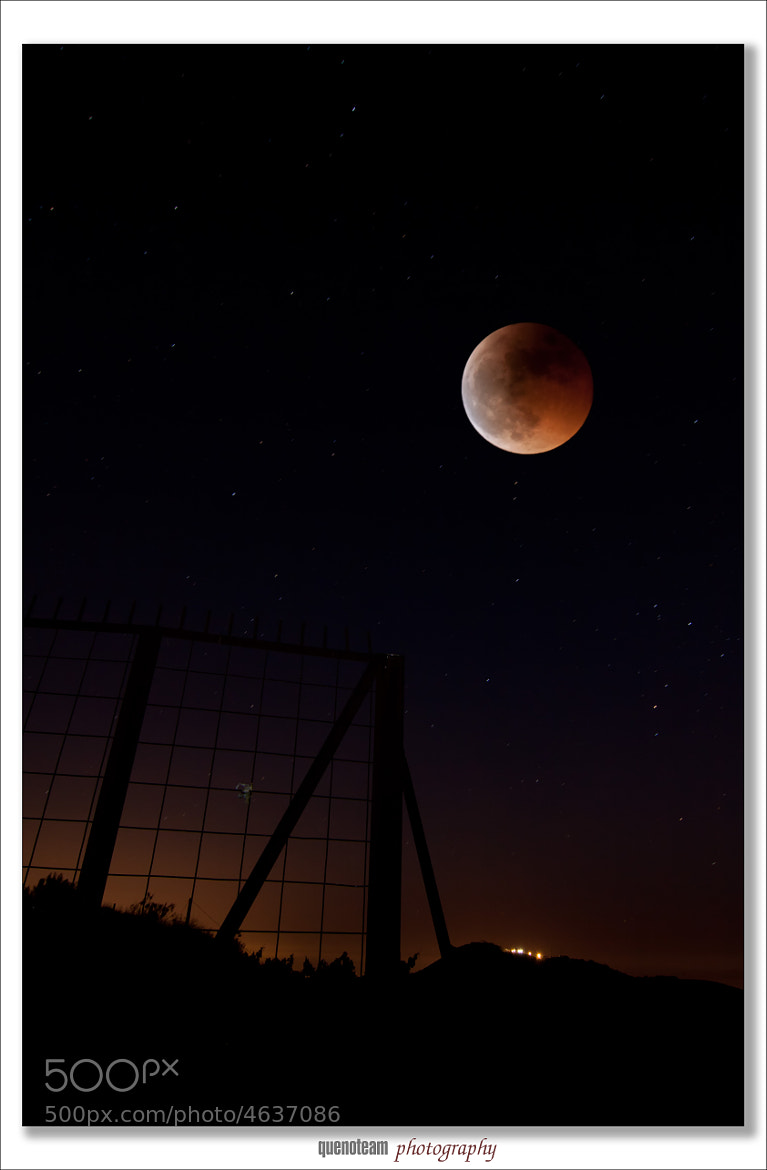 Photograph lunar eclipse 06-15-2011 by Javier Rupérez on 500px