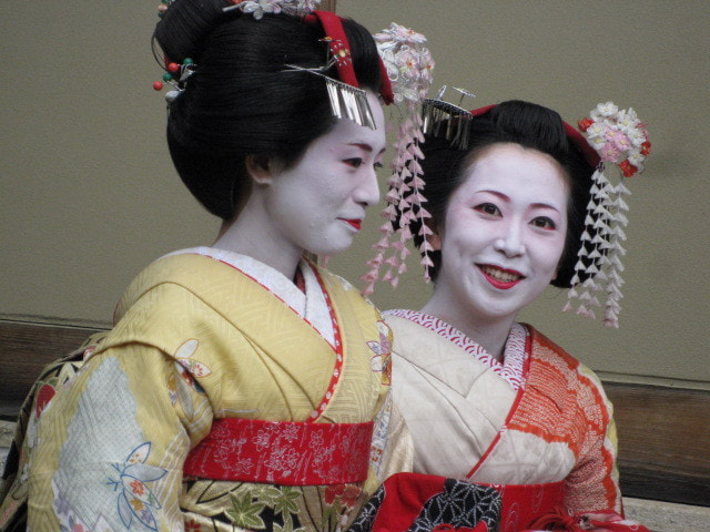 Photograph Geisha in Gion by Jersey Joe on 500px