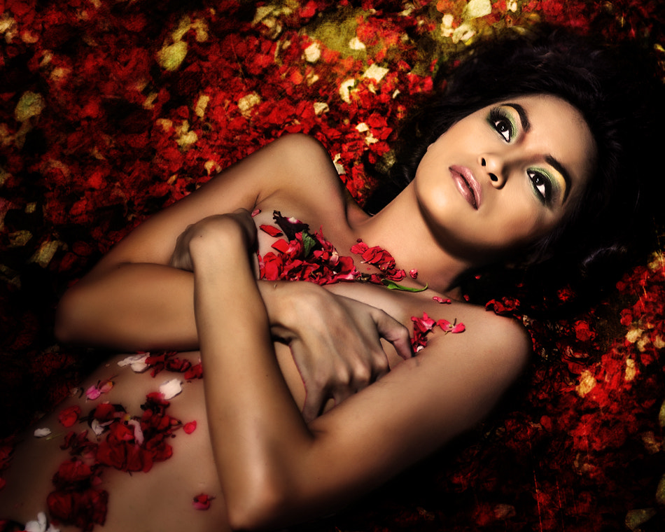 Photograph The red roses Goddess by Faizal Besari on 500px