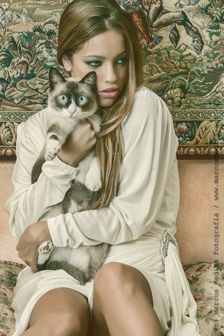 Photograph Maria and the vintage cat by Marcos Medina on 500px
