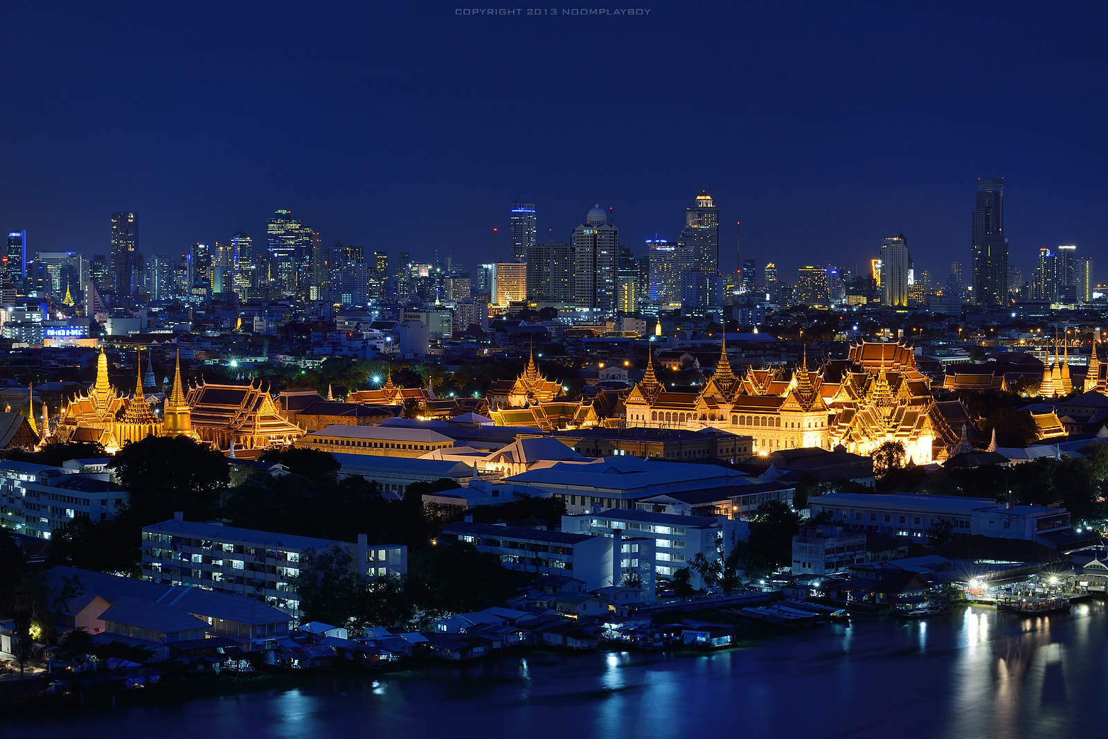 Photograph The Grand Palace and The Emerald Buddha Temple by noomplayboy  on 500px