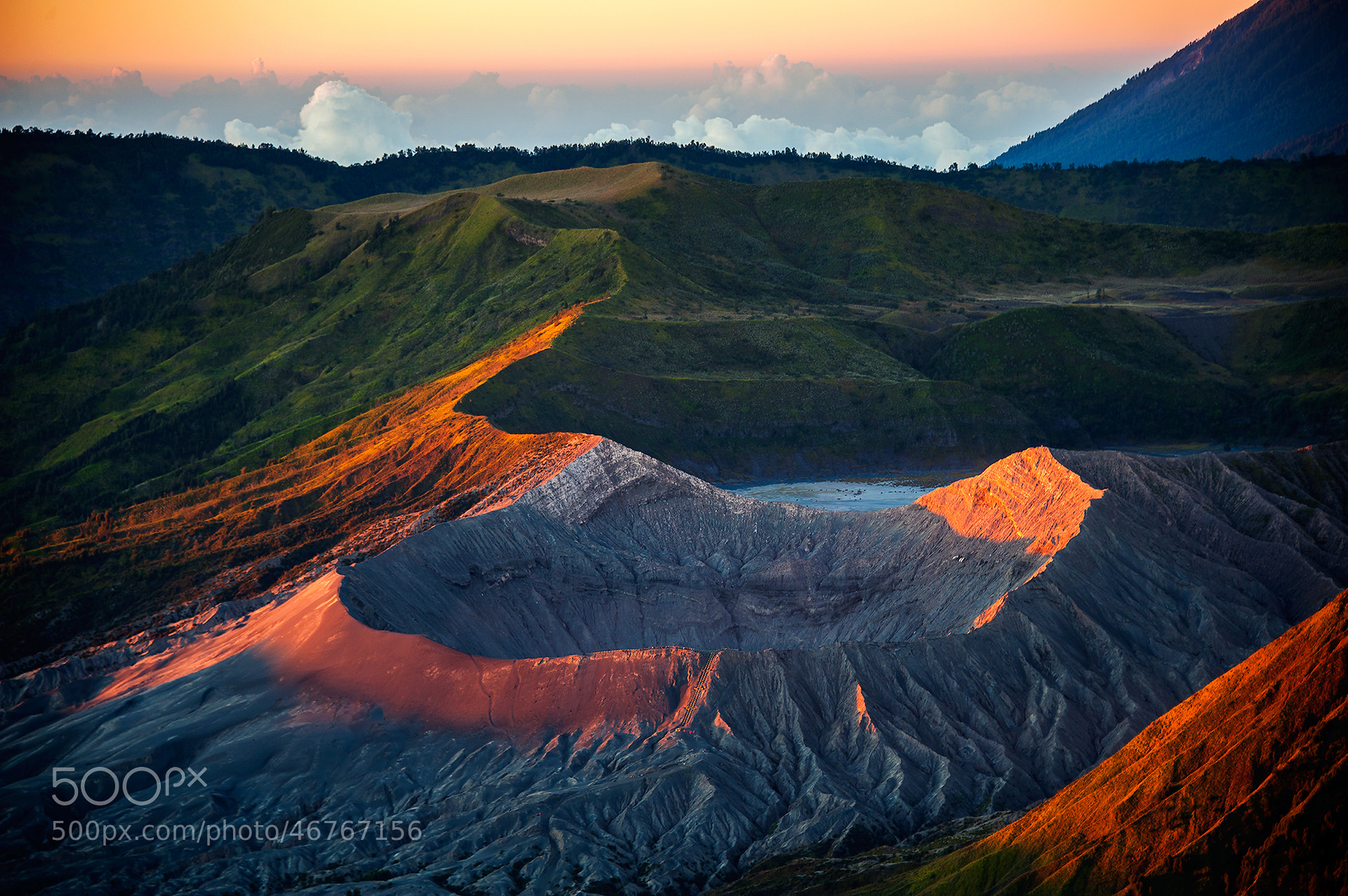 Photograph Bromo Sunrise by Puchong Pannoi on 500px