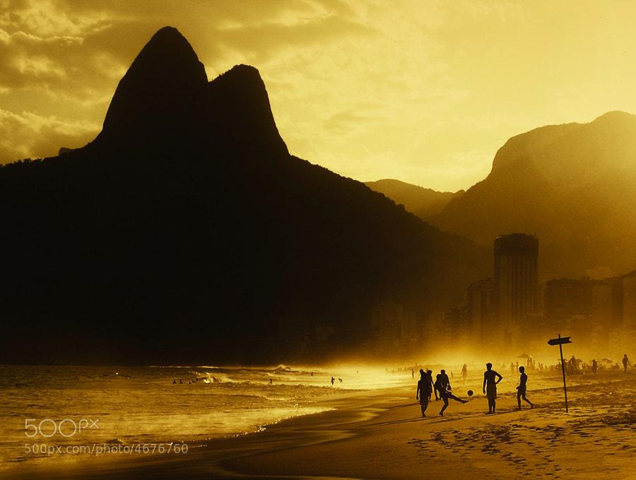 Photograph Futebol de Praia by Isac Goulart on 500px
