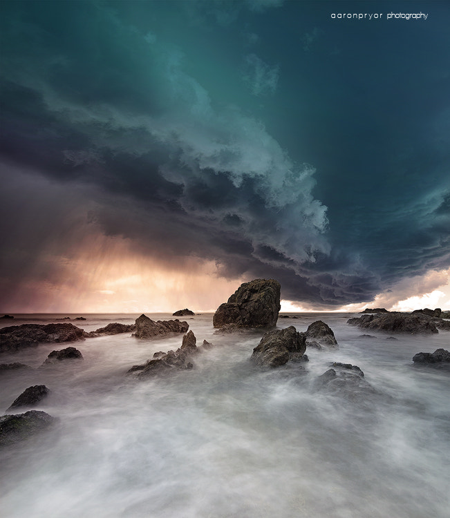 Photograph f a l l i n g by Aaron Pryor on 500px