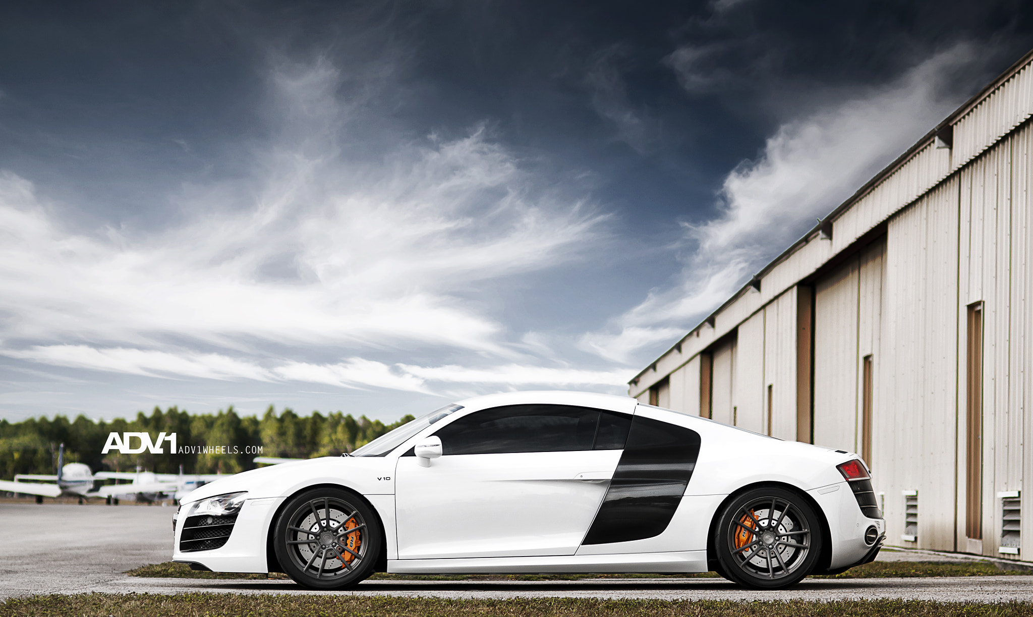 Photograph ADV.1 Audi R8 V10 by William Stern on 500px