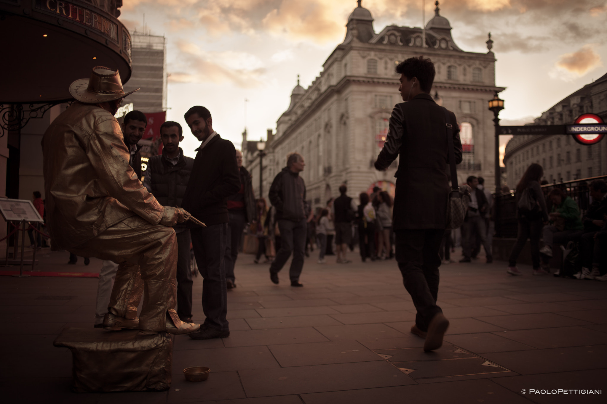 Photograph Piccadilly Circus by Paolo Pettigiani on 500px