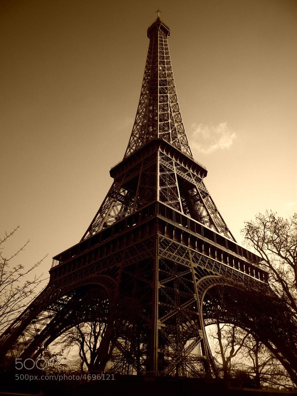 Photograph Eiffel Tower by Immanuel Adenubi on 500px