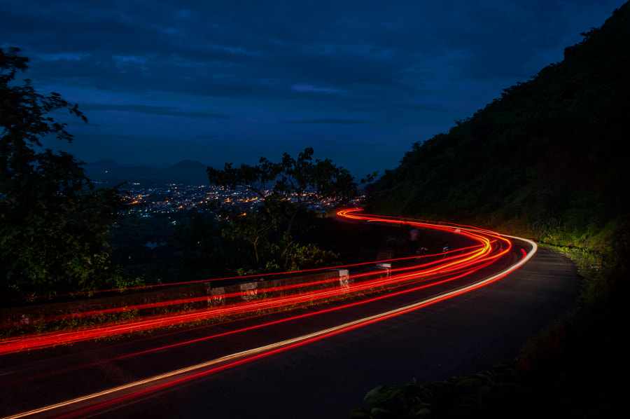 car tail by Ganesh Bagal on 500px