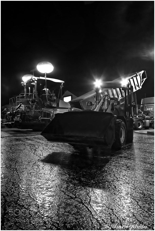 Photograph Les homme des travaux publics by Richard Echasseriau on 500px
