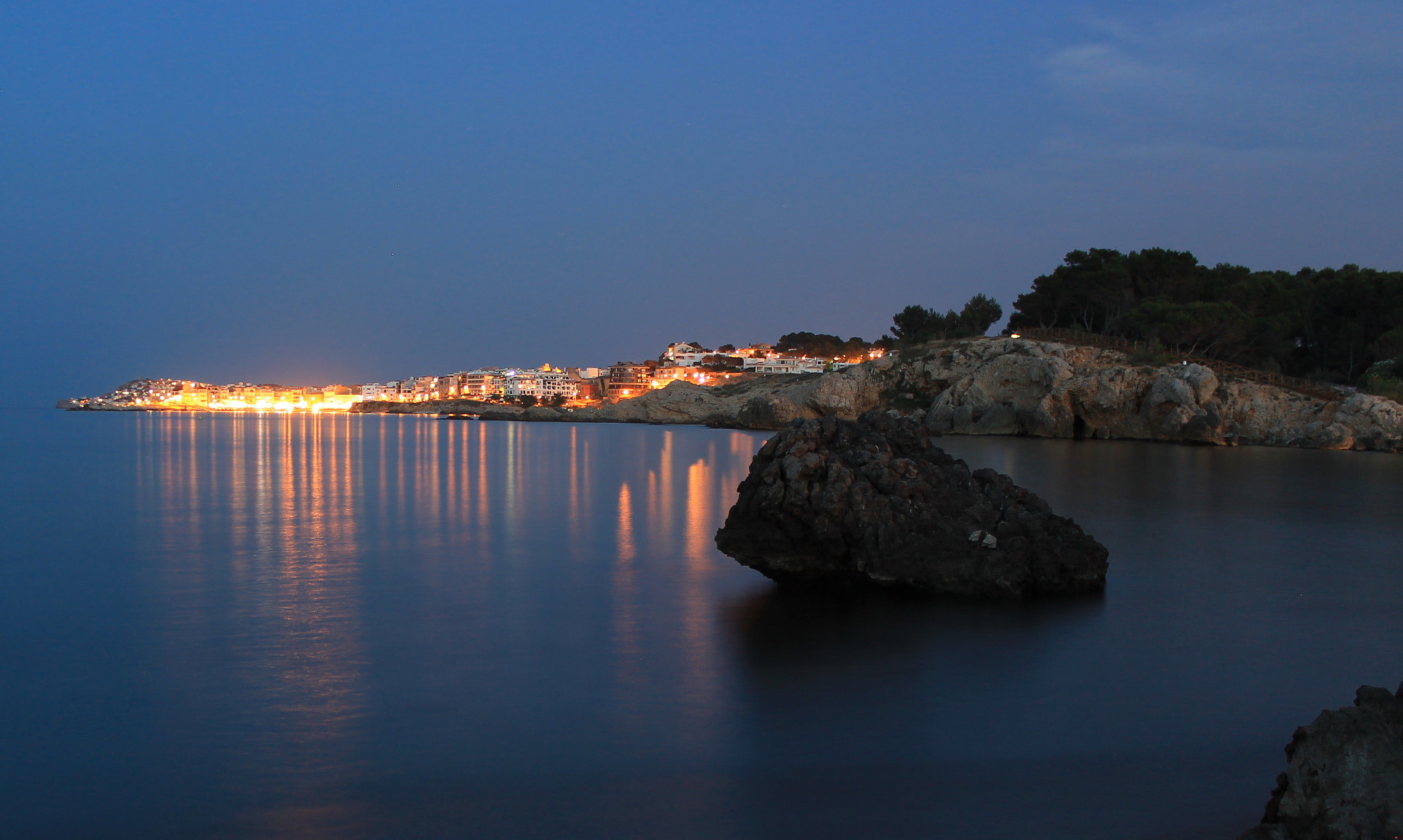 Photograph The beach at night by Jordi Freixas on 500px