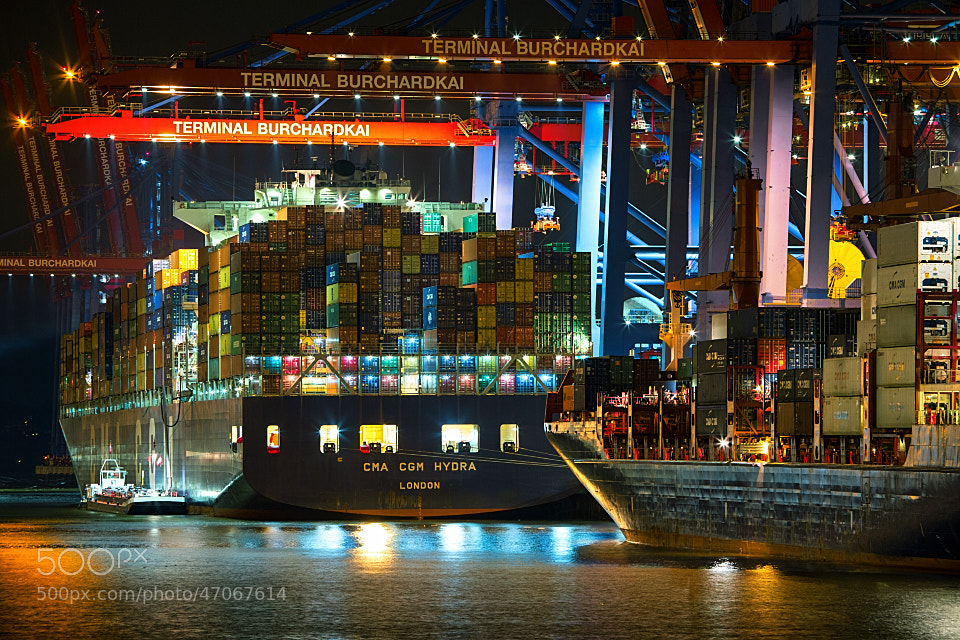 Photograph 1 container, 2 con... by Sebastian  Warneke  on 500px