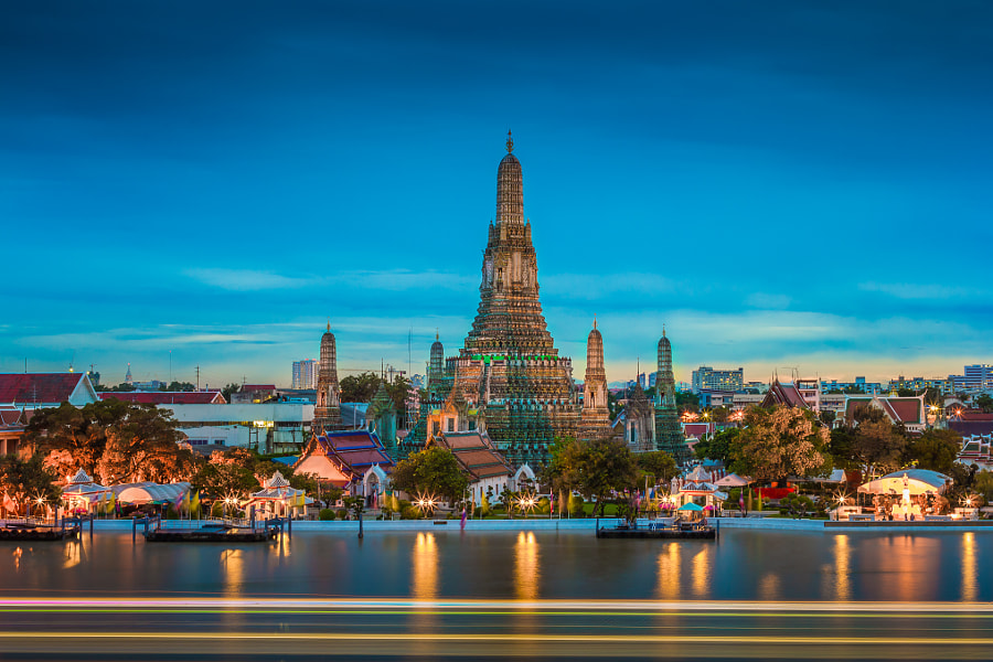 Wat Arun by Thammarak Imwinyan on 500px.com