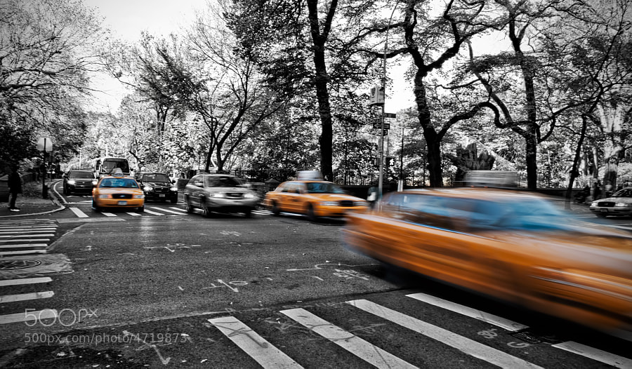 taxis at the corner of 65th st and 5th