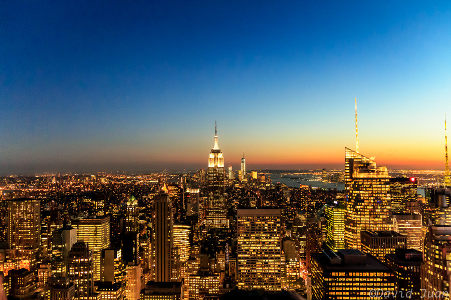 Photograph Dusk in the city by David Juan on 500px