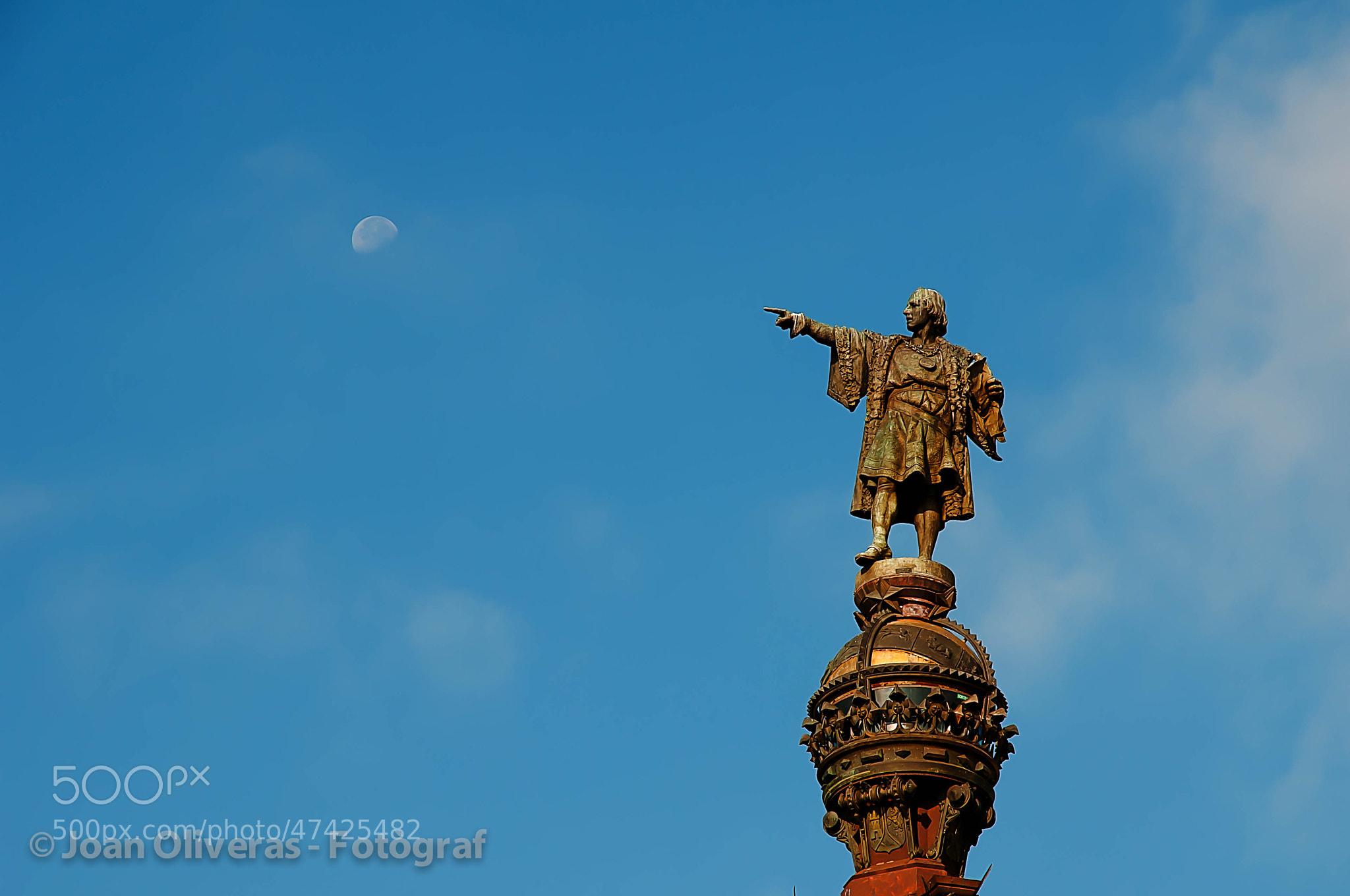 Photograph Colom i la Lluna by Joan Oliveras on 500px