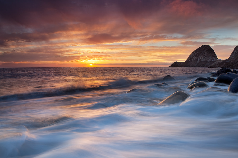 Photograph A wave of bad luck by Paul Rojas on 500px