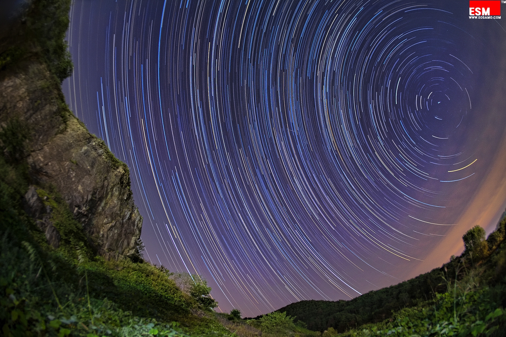Photograph startrails,  under the cliff by chan-wook Kim on 500px