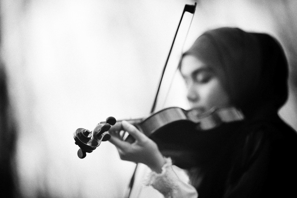 Photograph Combine with the music, tell people what you feel through it.  by Айман портрет on 500px