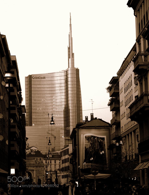 Photograph Atmosfera Blade Runner in Milano by Daniela Balgera on 500px